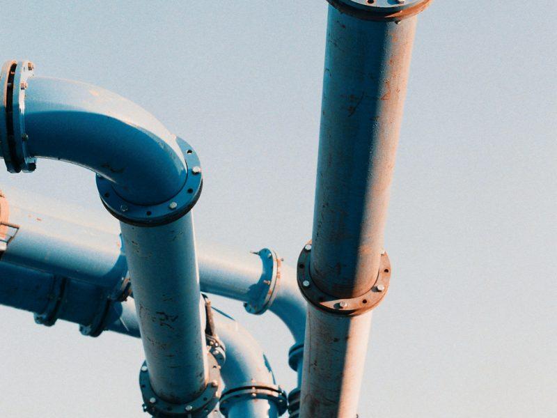 gas tube;  Daniel Sorokin [unsplash]