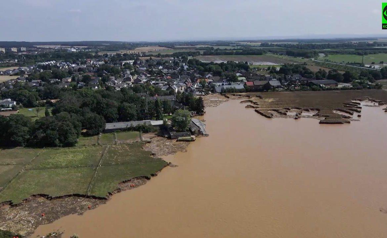 Germany Flood 2021. Map - Bleissim landslide full of water [Zdjęcia]