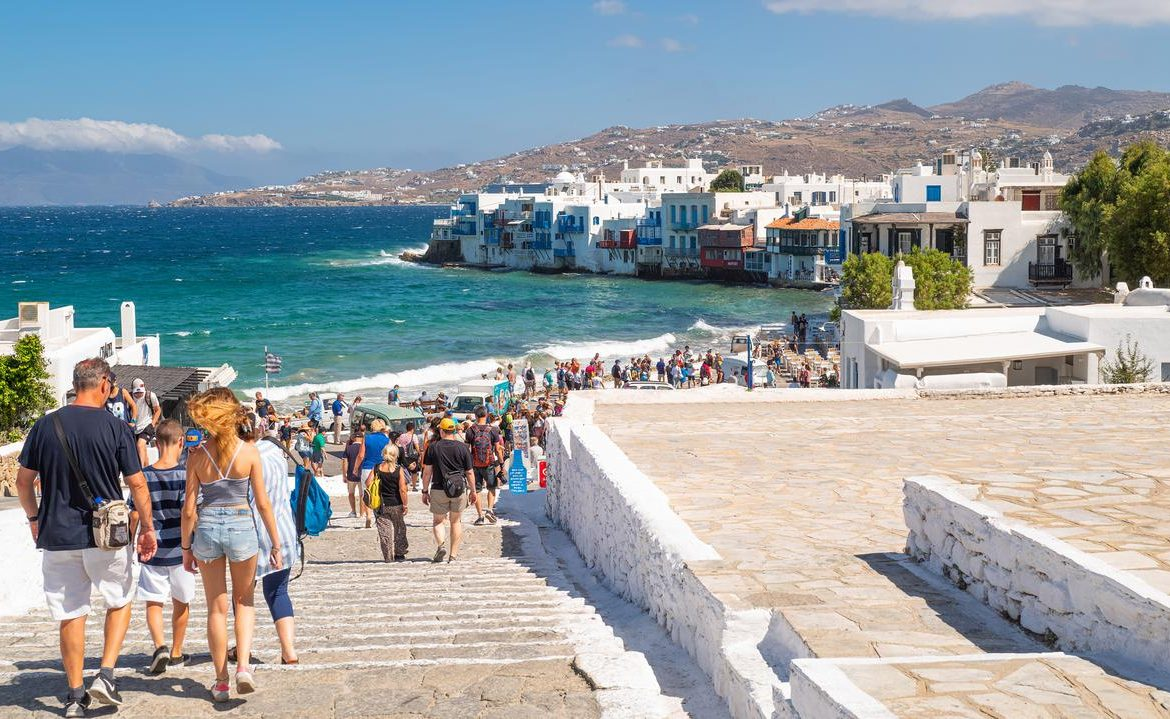 Greece, Mykonos / Mykonos.  New pandemic restrictions from July 26.  Tourists give up their holidaysعطل
