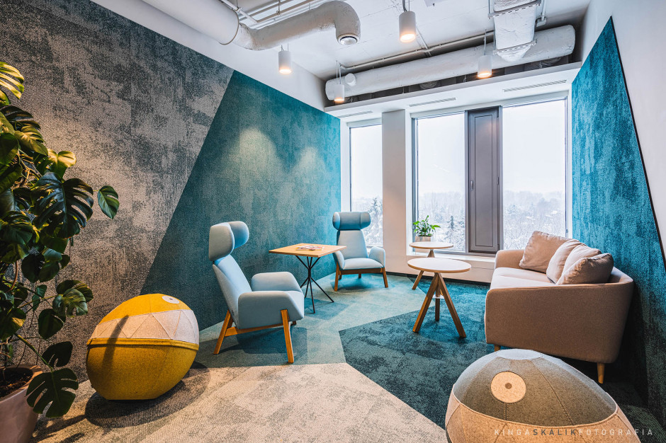 Modernity and technology in the latest studio design by Studio Quadra.  This is the office of Allianz Partners