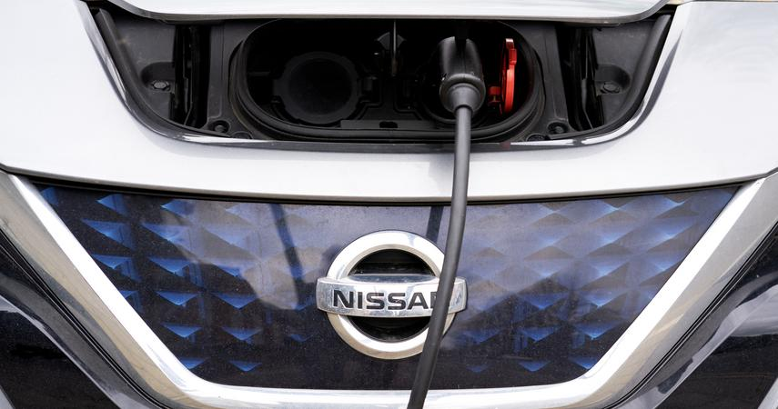 Nissan builds Giga battery factory in Britain