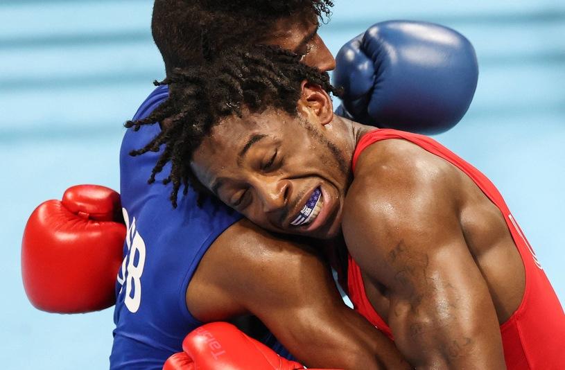 Cuban Andy Cruz in action against Keyshawn Davis of the United States.  Tokyo 2020 / AA / ABACA / Abaca / Newspix