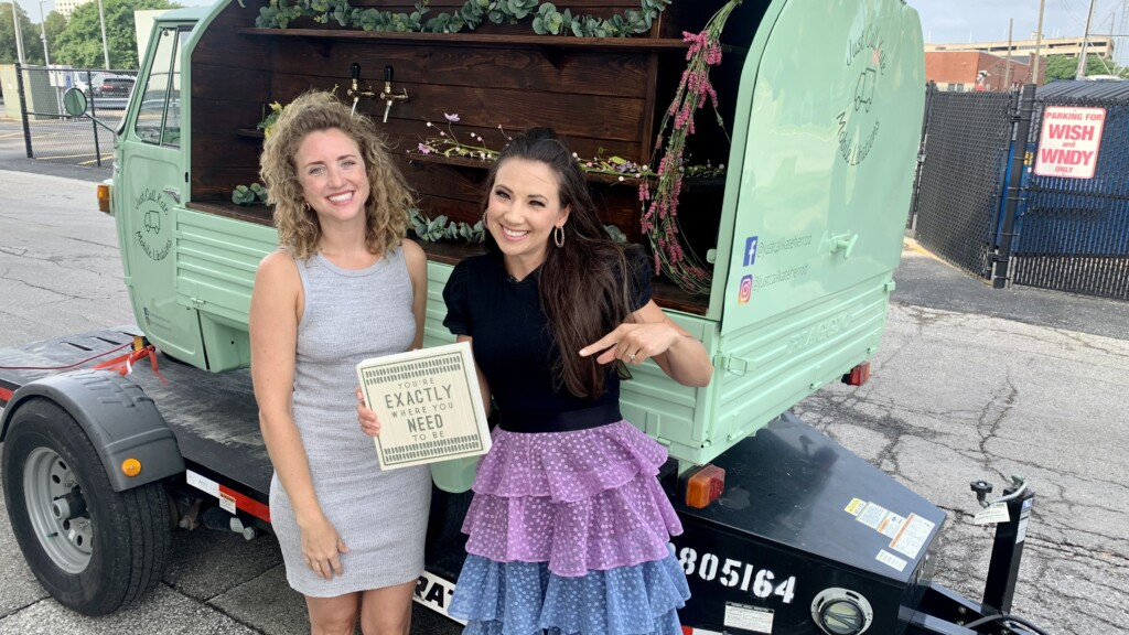 A woman offers a unique mobile bar experience in a rare Italian truck - WISH-TV    News