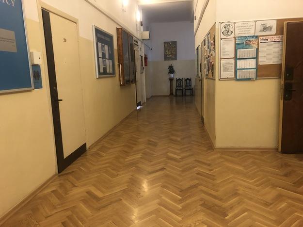 Gimnazjum nr 11 im. Mikołaja Riga w Warszawie / Michal Dobrovic