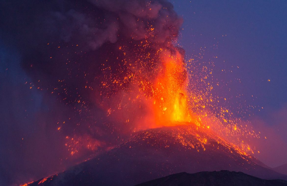 Italy.  Etna has grown by 37 meters.  Europe's tallest volcano has awakened again    world News