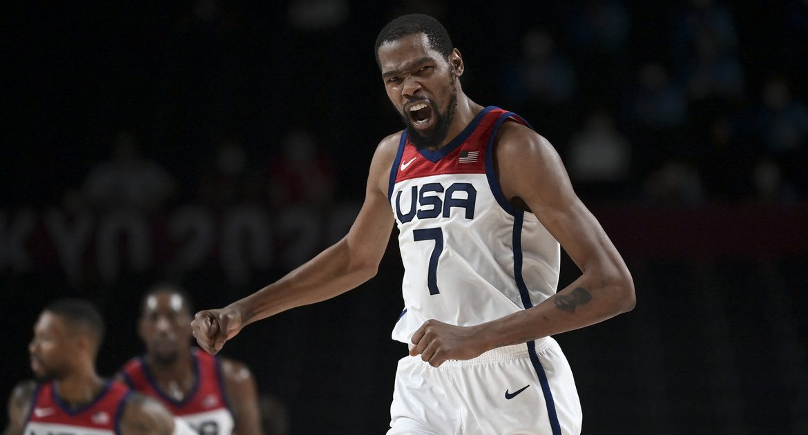 Tokyo 2020. Basketball.  The United States, however, is with gold IO again.  revenge from france