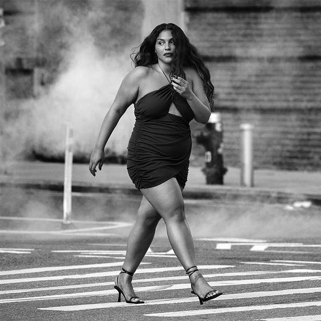 Zara 2021 news is being announced with a plus-size model.  The Spanish series positively supports the body