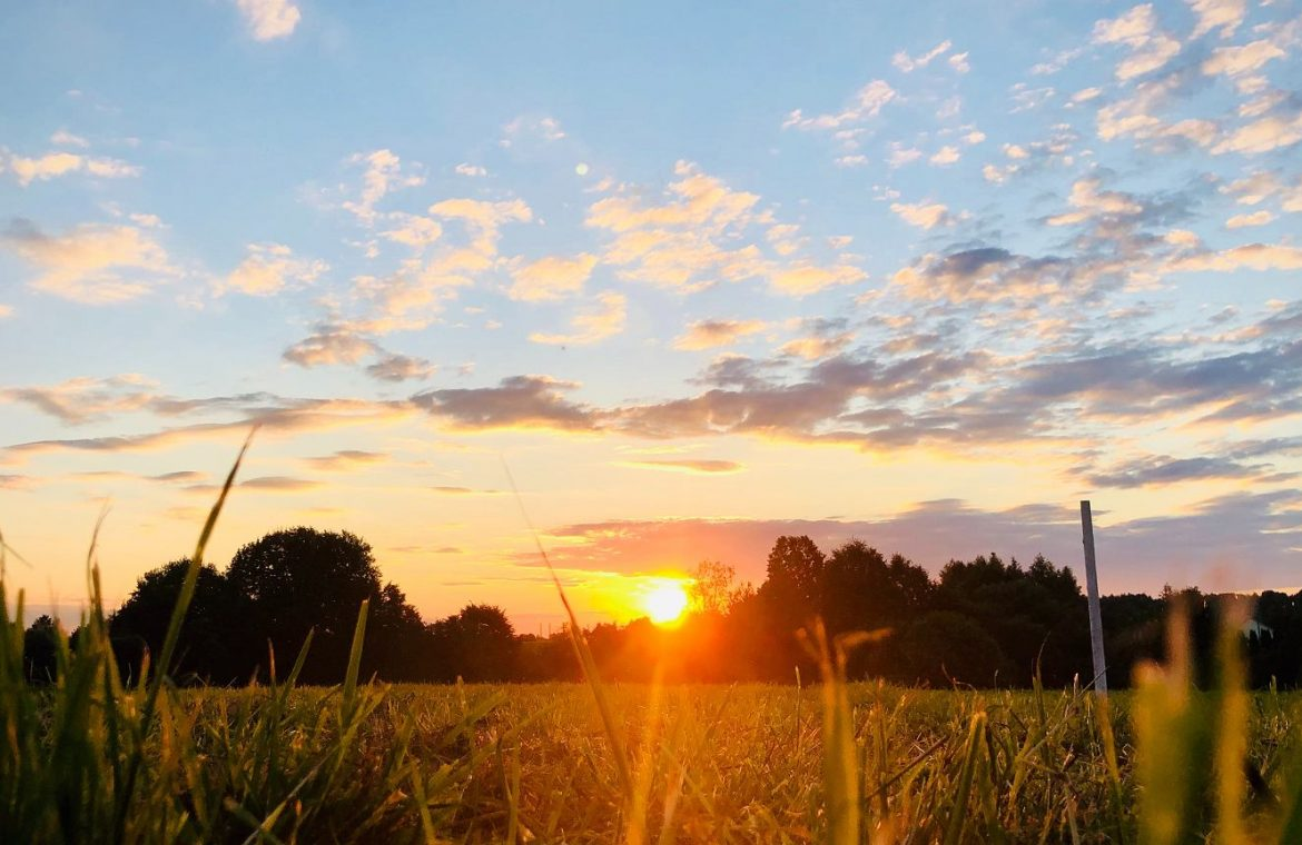 weather.  The sun and high temperatures will return to Poland.  How long will it be warm?