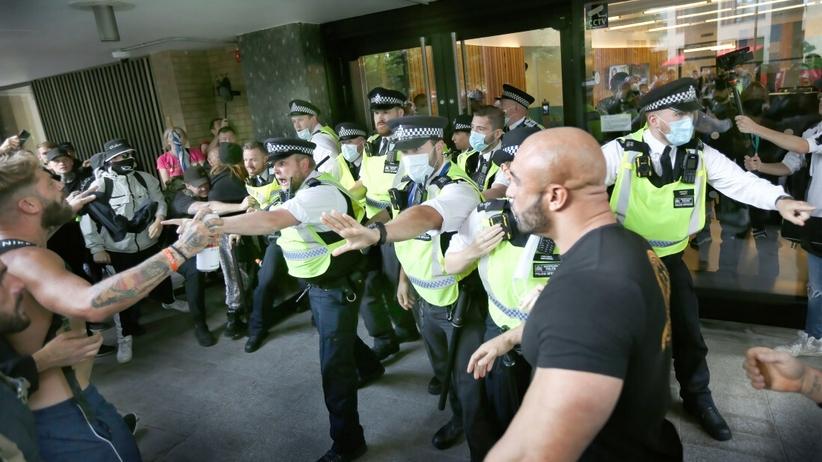 Protest przed siedzibą BBC w Londynie