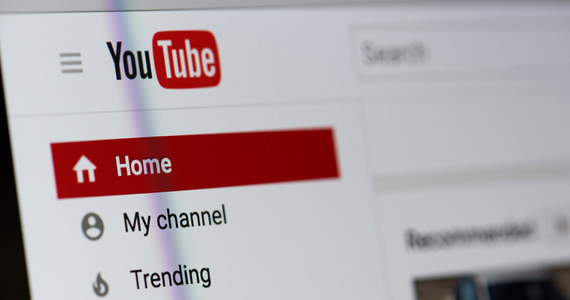 USA: YouTube fights vaccines.  The site will block materials that contain false information