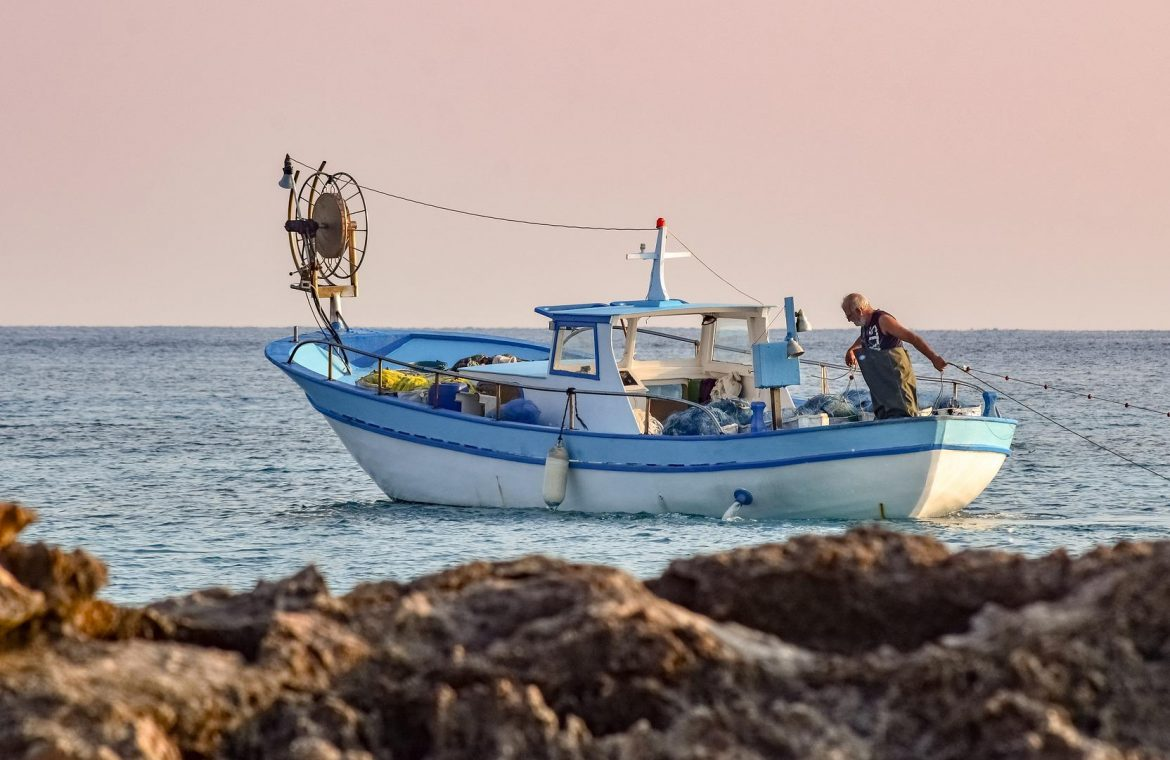 France alleges Britain is breaching Brexit deal by banning fishing boats - Pauls Besnesou