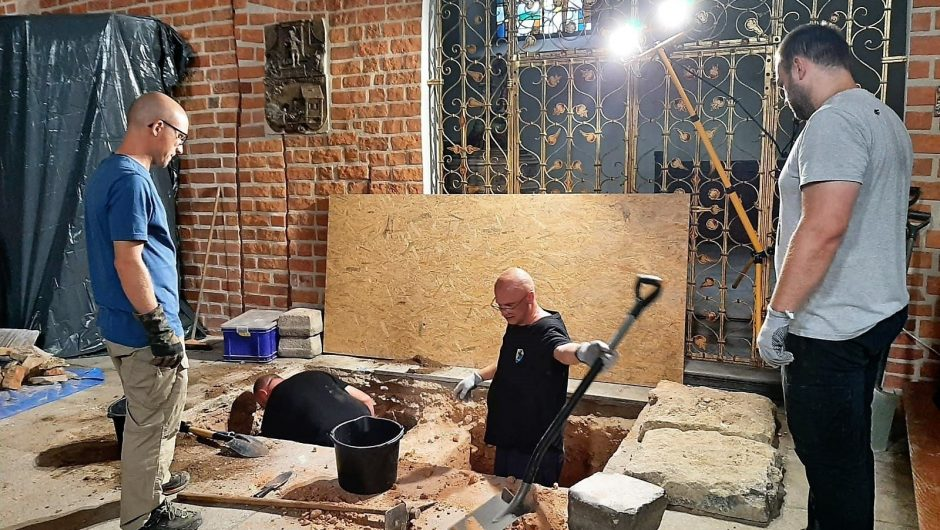 Opole.  Search in the crypt of the cathedral.  A wall was found older than the current temple! [ZDJĘCIA]