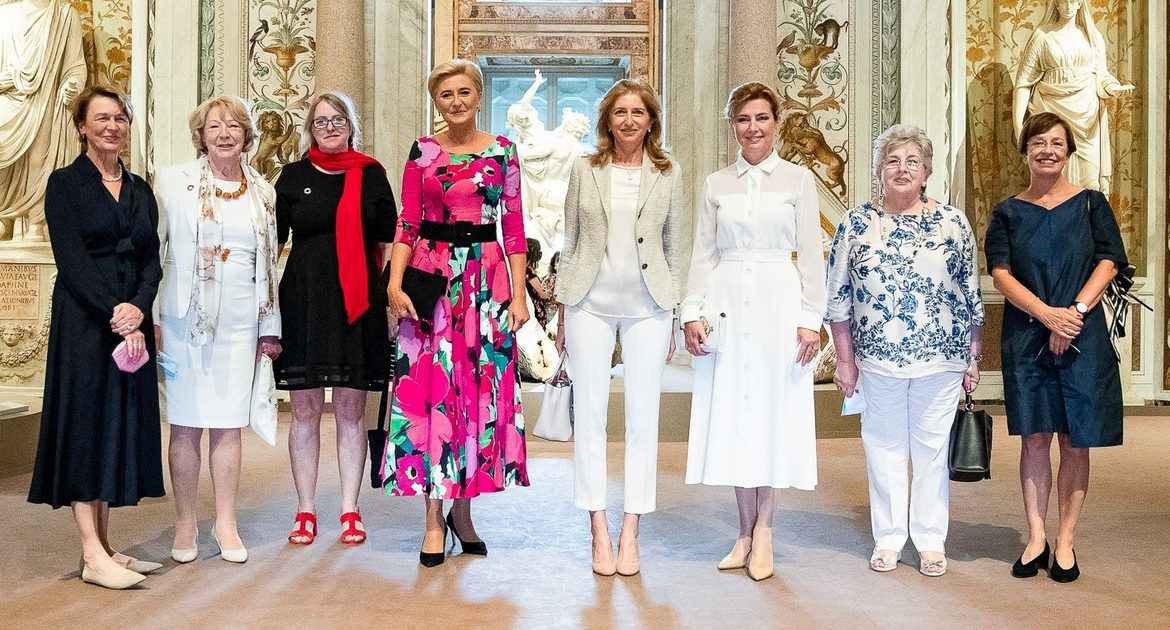 Szado about Agata Duda's style of meeting with the wives of chiefs in Rome