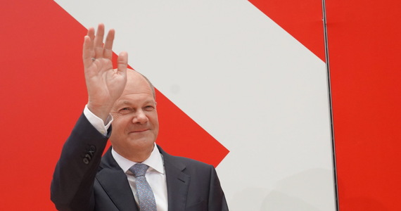 Germany: A coalition is being formed between the Social Democratic Party, the Greens and the Free Democratic Party.  government at the end of the year?