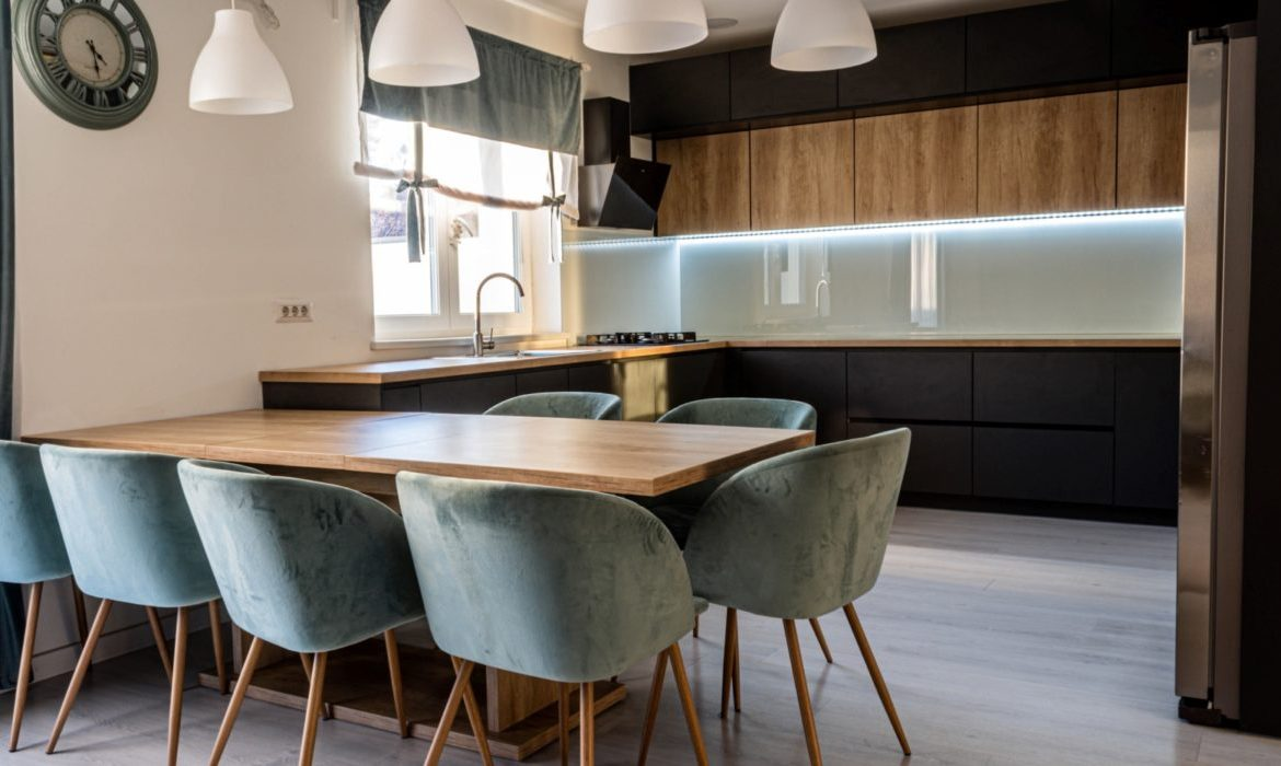How to arrange a small kitchen and dining room?  » Radio 90 FM