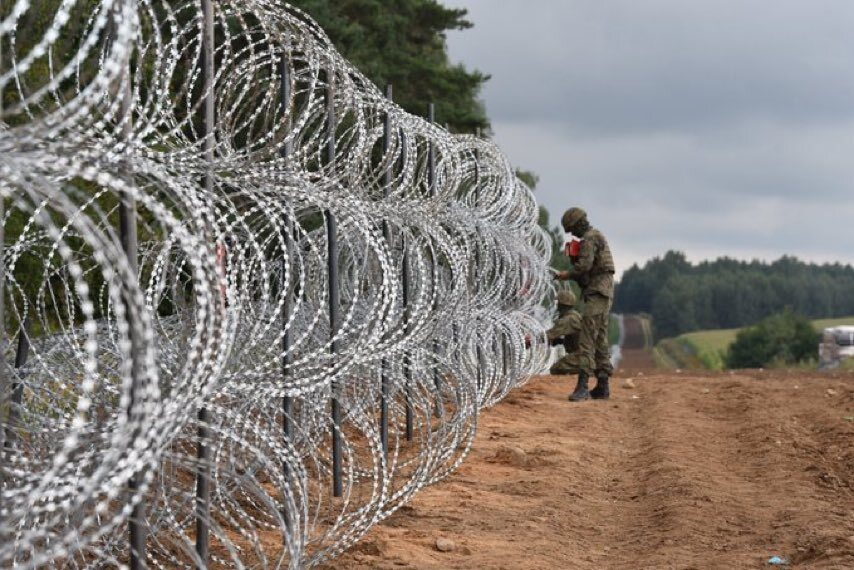 An ocean on the border with Belarus.  Kaminsky in the details