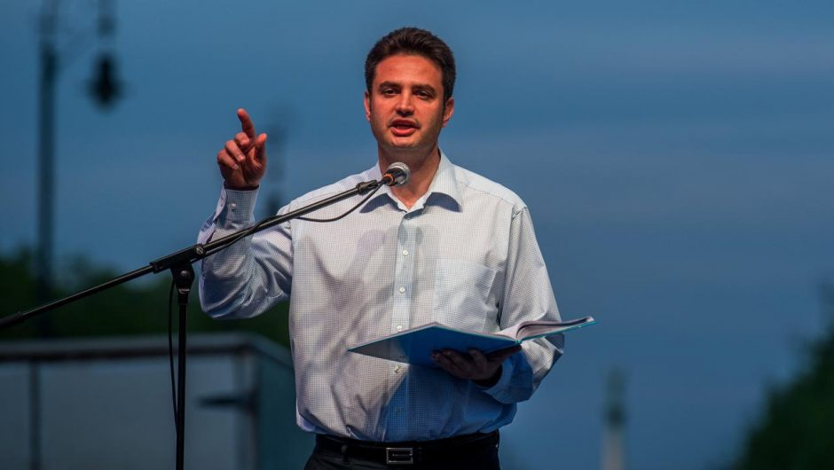 Hungary.  Peter Markie Zee is the joint opposition candidate for prime minister.  He will fight for power with Viktor Urban