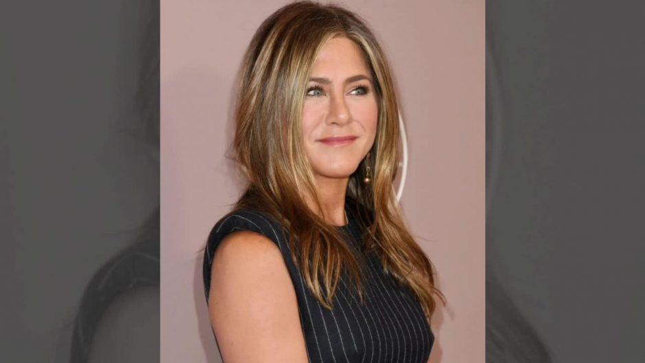 Jennifer Aniston hairstyle.  Cult hairstyles in famous movies