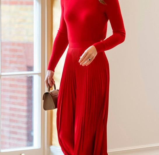 Ksina Kate caa in red Wow, that's her color!  Queen Letizia can envy the project