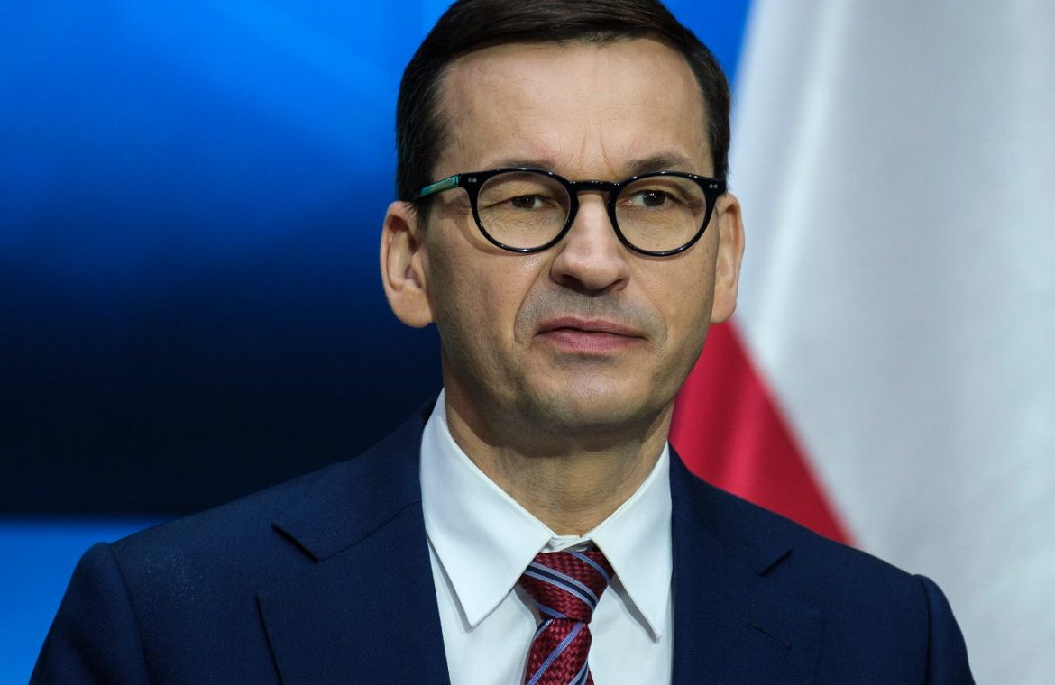 Morawiecki responds to protests across the country.  Post a post on Facebook.  'It's fake news'