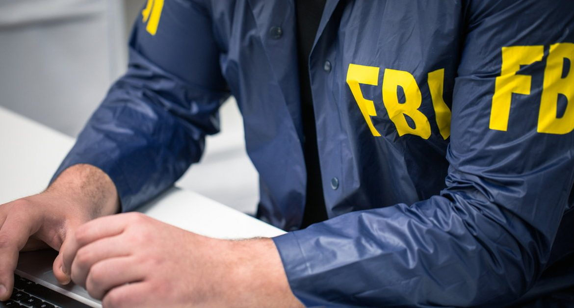 USA: Couple arrested for trying to sell state secrets