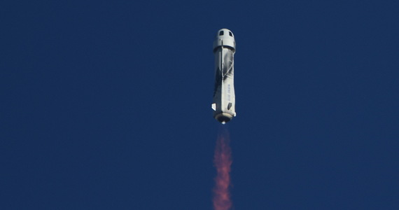 USA: Launch of the new Shepherd missile.  Older man flew into space