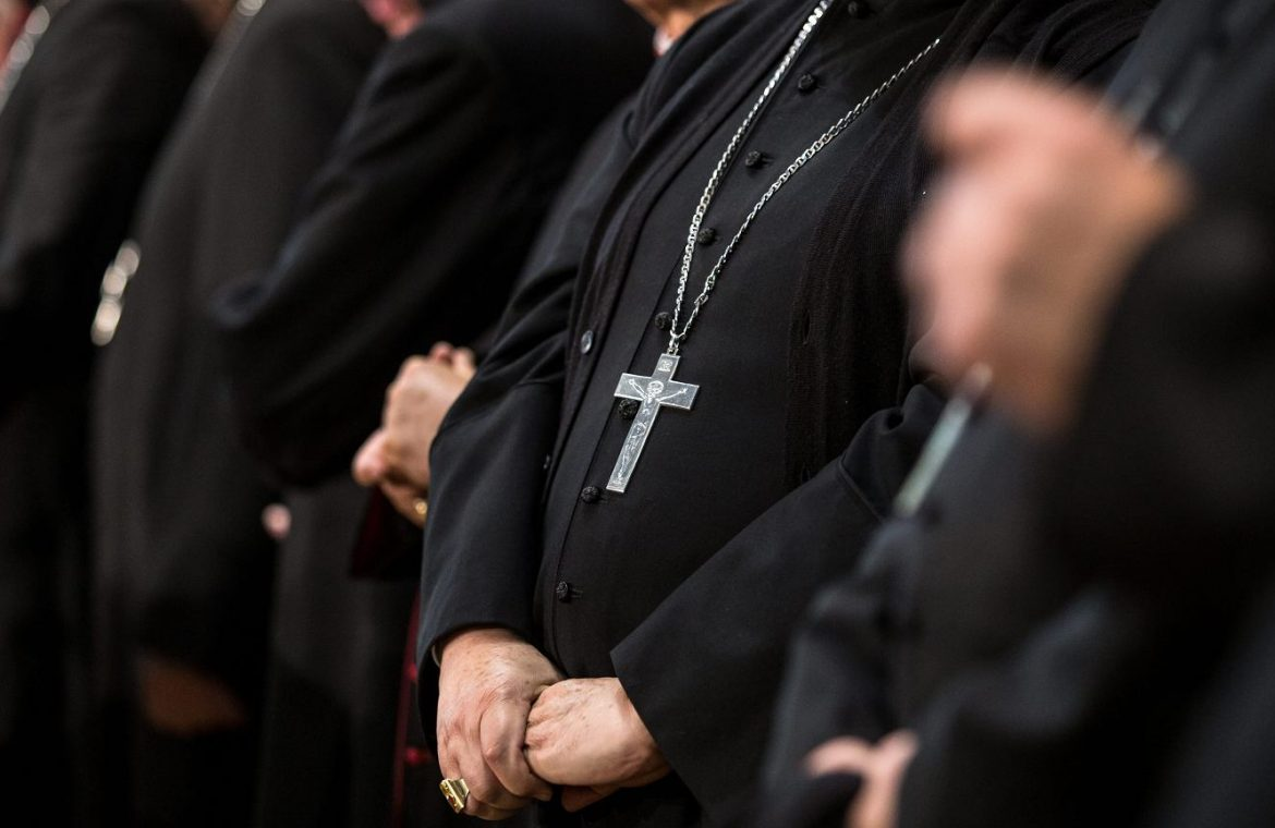 United States of America.  The bishop wants the seminary candidates to confirm their full examination |  News from the world